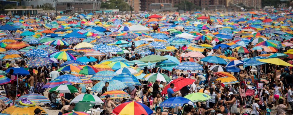 Beachgoers enjoy their visit to Coney Island on Tuesday, July 4, 2017. Benjamin Kanter/Mayoral Photo Office.